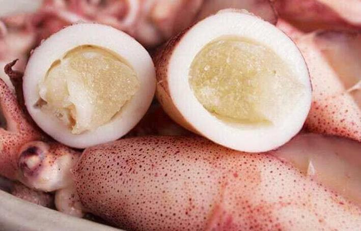 Lượng trứng bên trong đầy ấp, trông quá hấp dẫn